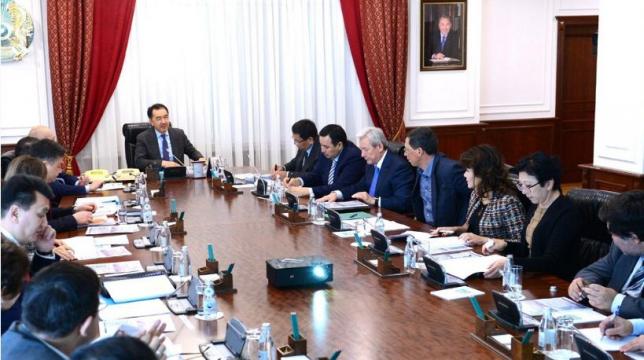 Б.Сагинтаев провел очередное заседание Экспертного совета по вопросам экономики