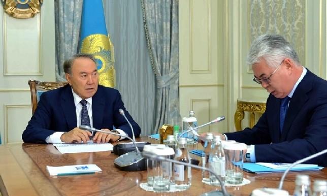 Президент РК провел встречу с министром оборонной и аэрокосмической промышленности