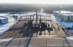 В Актобе открыли стеллу, символизирующую единство народа
