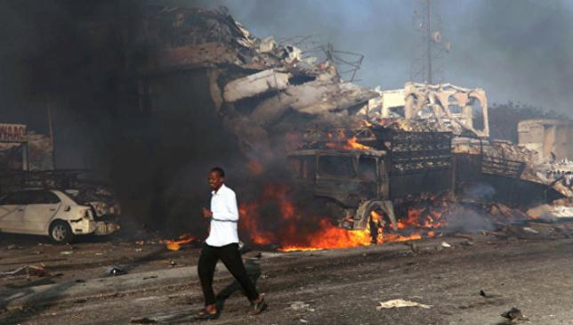 Число жертв взрыва в столице Сомали увеличилось до 85