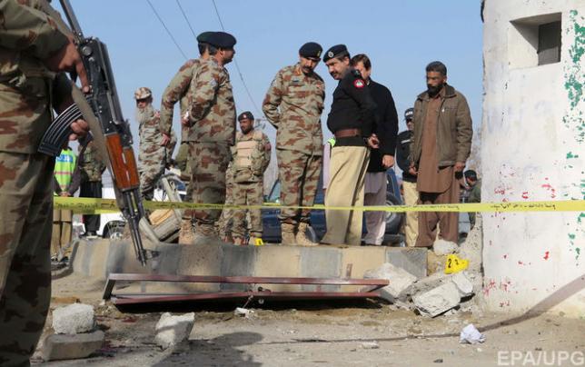 По меньшей мере 15 человек погибли при взрыве в пакистанском городе Кветта