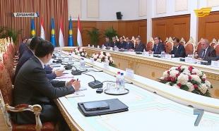 «Жеті күн». Президент Тәжікстанға ресми сапармен барды. ҰҚШҰ Ұжымдық қауіпсіздік кеңесінің сессиясы өтті