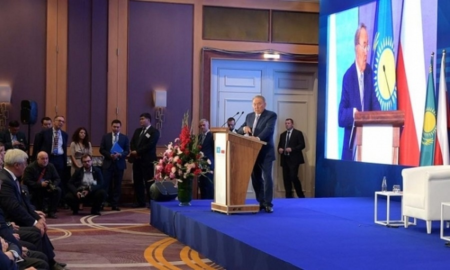 Н.Назарбаев принял участие в казахстанско-польском бизнес-форуме
