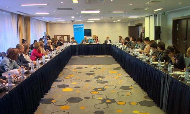 При поддержке ЮНИСЕФ в Казахстане разрабатывают программу раннего развития детей