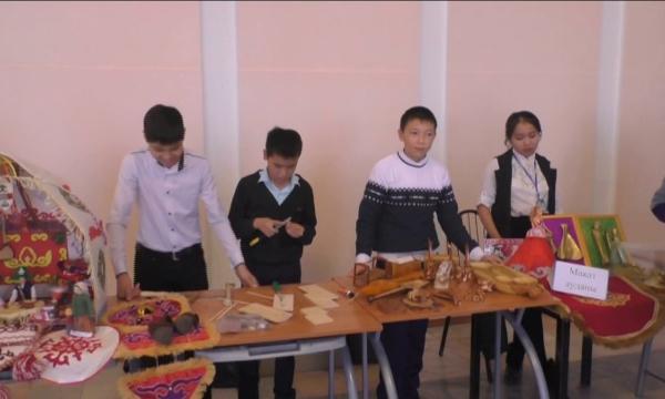 Атырау оқушылары ұмыт болып бара жатқан ұлттық өнерді дәріптеді