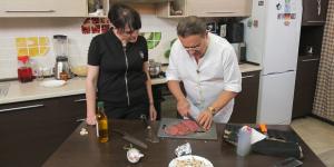 «Джио научит». Готовим вкуснейшую говядину с грибами в сливочном соусе