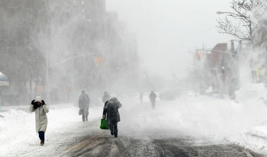 Метель, туман, гололед ожидается на большей части территории страны