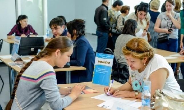 В Астане свыше 8 тысяч человек обратились за помощью в трудоустройстве