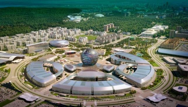 «Астананың ақкөңілділер клубы» қарттар мен ерекше күтімді қажет ететін балаларды EXPO көрмесіне апарды