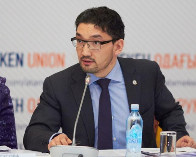 Р.Ошақбаев: Девальвация туралы ақпарат халыққа алдын ала мәлімделуі тиіс