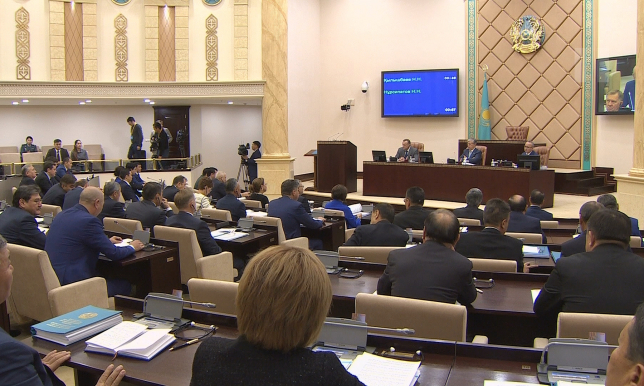 Создать отдельный орган для обеспечения авиабезопасности в РК предложил сенатор