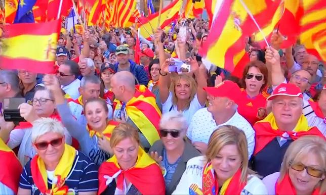 Барселонада ел бірлігін қолдаған халық шеруге шықты