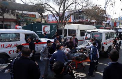 Число погибших при взрыве в центре Кабула возросло до 95