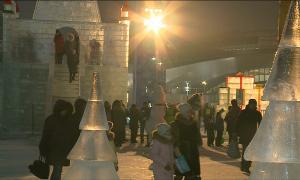 Астананың бас шыршасы шамын жақты