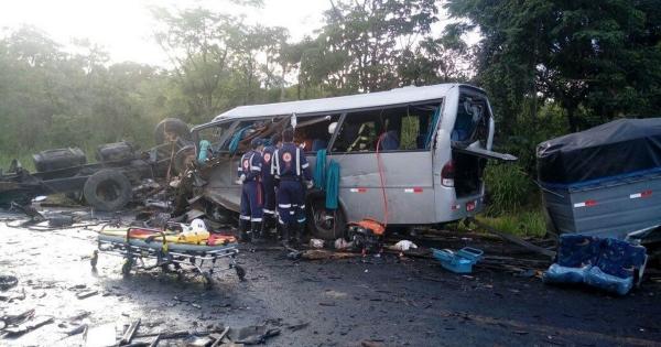 Бразилиядағы жол апаты 13 адамның өмірін қиды