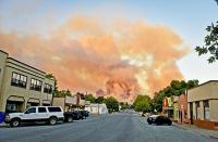 В Калифорнии более 100 человек пострадали из-за природных пожаров