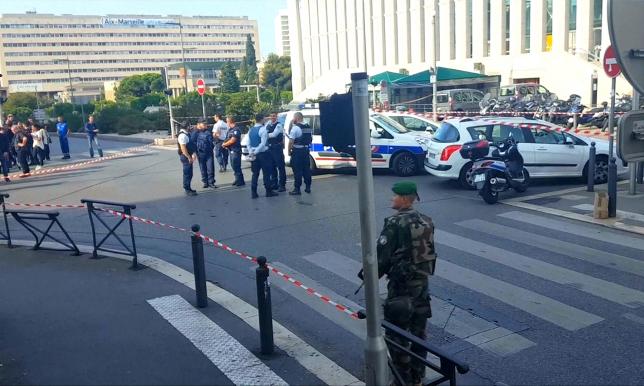 Парижде теракт жасауға оқталды деген күдікпен 5 адам қамауға алынды