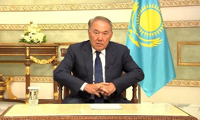 Н.Назарбаев провел брифинг для представителей СМИ по итогам официального визита в Королевство Саудовская Аравия