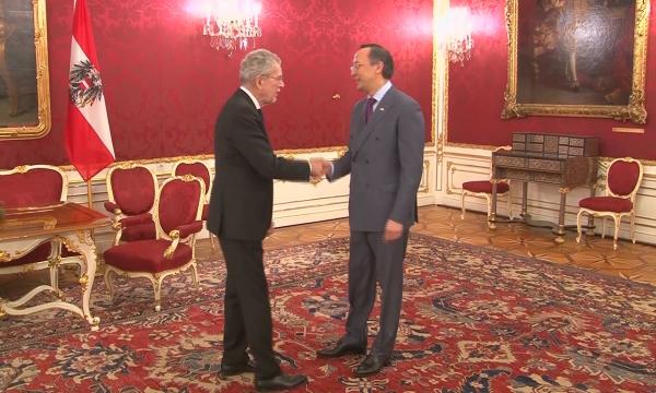 Қайрат Әбдірахманов Австрия президенті Александр Ван дер Белленмен кездесті