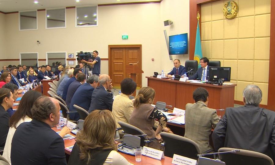 Госслужащих будут увольнять за несвоевременный ответ на журналистские запросы