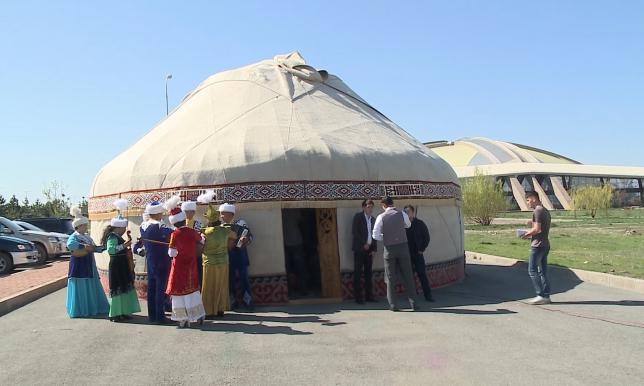 В Талдыкоргане прошла масштабная акция «Dombra party – non stop»