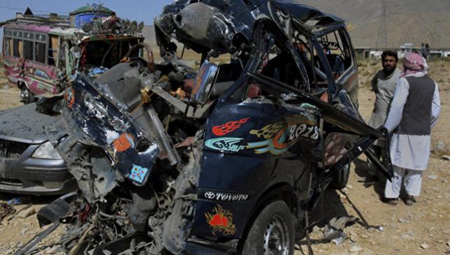 В ДТП с автобусом в Пакистане погибли по меньшей мере 14 человек