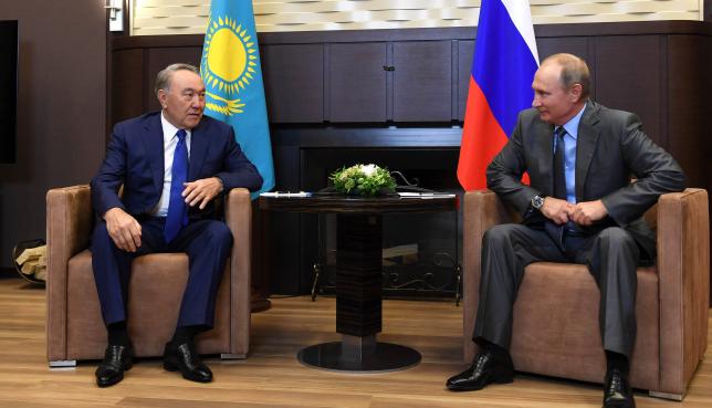Мемлекет басшысы Нұрсұлтан Назарбаев пен Владимир Путин екіжақты кездесу өткізді