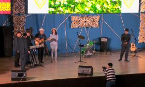 Ассамблея народа Казахстана в ЮКО собрала 30 млн тенге на социальную помощь