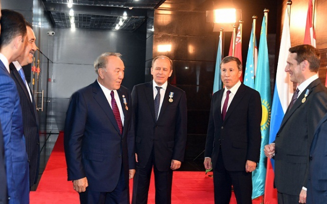 Глава государства встретился с руководителями органов национальной безопасности стран СНГ