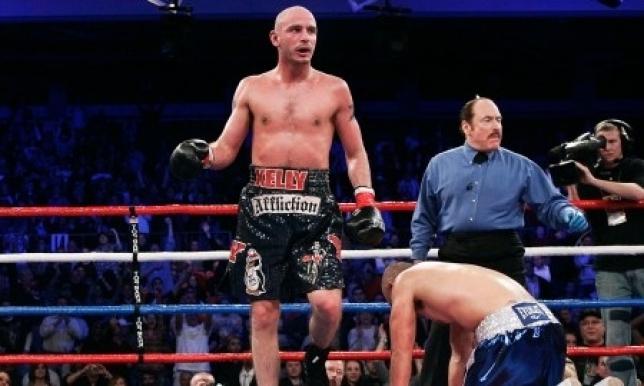 СМИ назвали боксера, который нокаутировал бы GGG