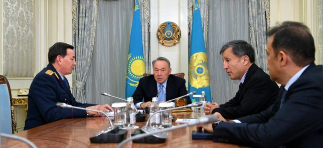 Глава государства провел встречу с К.Масимовым и К.Касымовым