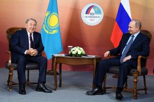 Президенты РК и РФ провели встречу на Форуме межрегионального сотрудничества