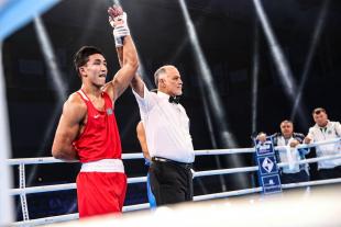 Чемпионат мира по боксу: двое казахстанцев вышли в финал