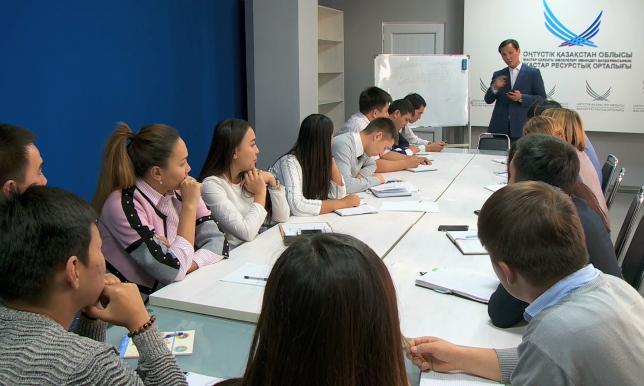 С переходом на латиницу желающих изучать казахский язык станет больше