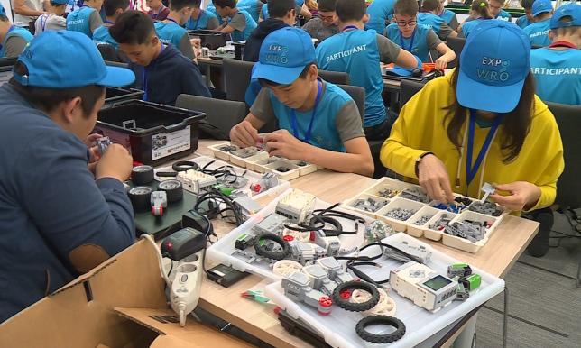 В столице стартовал чемпионат Казахстана по робототехнике