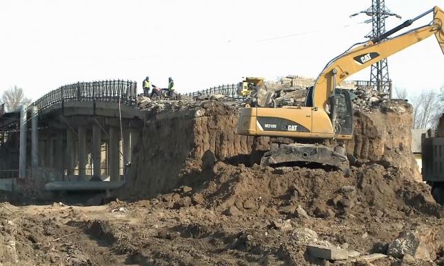 В Уральске строительство моста продлится 2 года