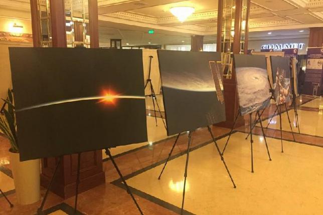 Выставку космической фотографии открыли в Астане
