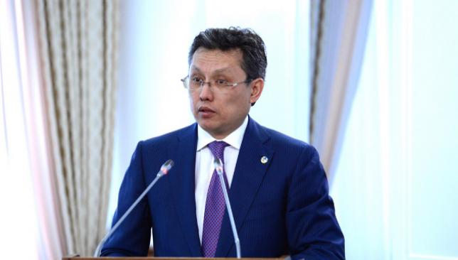 В текущем году приватизированы порядка 300 объектов госсобственности - Б. Султанов